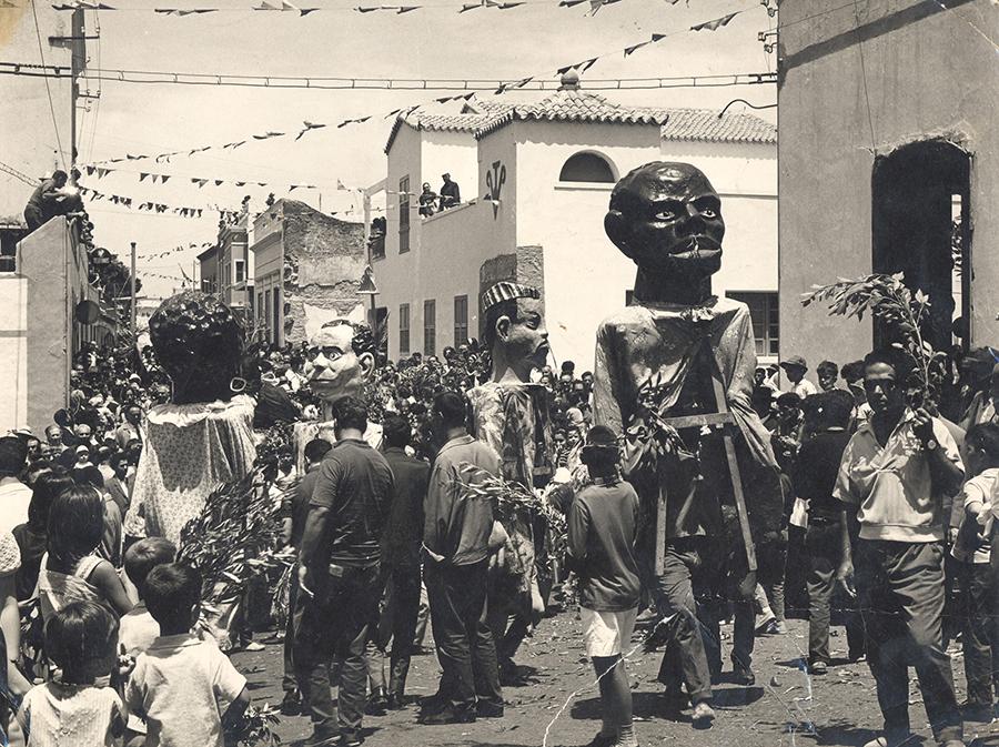 Bajada de la Rama in Agaete 2017 und re. aus dem Jahr 1960 (Quelle: Ascanio, FEDAC)
